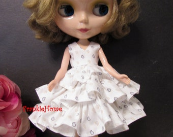 Blythe Doll Outfit Paisley Print Ruffles white Dress