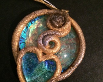 Medallions and Horns light