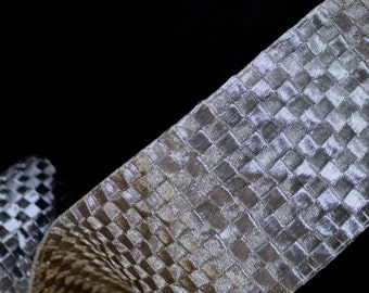 Dramatic Silver mosaic broad trim