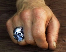 SKULL RING, Large , Stirling SILVER , handcrafted in London, Bespoke, Artist made, Jewelry