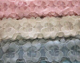 1 Yard- Embroidered Applique Lace/ NBDL38- Rosette Lace / Flowering Lace/