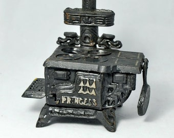 Dollhouse Miniature Cast Iron Stove Frying Pan Princess Taiwan Dollhouse Stove Oven Vintage Toy