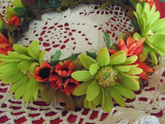 Autumn Daisy Crown from Bunnies Made of Bread