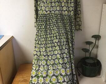 Vintage Berkshire Daisy Dress Small