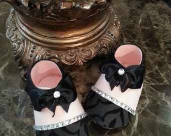 Pink And Black Shoe  Favors / Set Of Ten Pink And Black Baby Booty Shoe Favors / Girl Shoe Favors / Baby Shower Favors