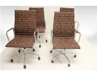 Mid Century Modern Early Eames Set of Four Aluminum Group Chairs Herman Miller