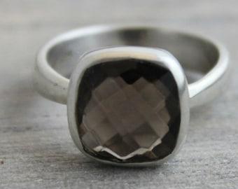 Smoky Quartz Ring - Silver Ring  -  gemstone ring - precious ring - square ring - cushion cut - birthstone ring - Gifts for her  - Chakra