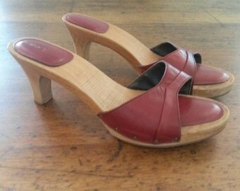 1970's Vintage wooden and red leather clogs size 7