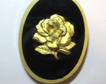 One Glass Rose Cameo