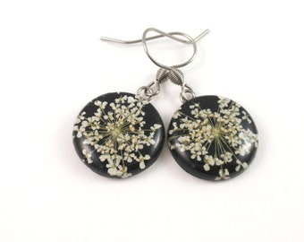 Real Flower Earrings, Handmade Pressed Flower earrings, white and black jewelry, Botanical Earrings, Real Plant Jewelry, Queen Anne's Lace