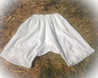 """Shabby Chic French Vintage Bloomers. 24"""" waist 60 cm #28 Fun Gift for a Bridal Shower."""
