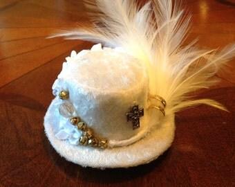 """Steampunk Hat, """"Medium"""" size, white crushed velvet, feathers, embellishments"""