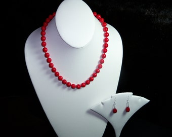 A Lovely Red Coral Necklace and Earrings. (201516)