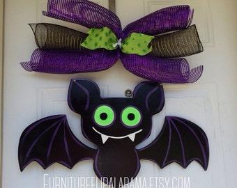 Halloween Bat door hanger, halloween door decor, personalized door decor, fall door hanger,