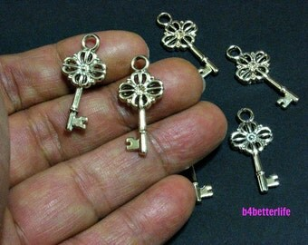 "Lot of 24pcs ""Key"" Double Sided Gold Color Plated Metal Charms. #XX462"
