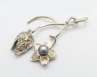 """Abstract Sterling SIlver Artisan Studio Cast Grey Pearl Flower Pendant 8g 2.25"""". [5815]"""