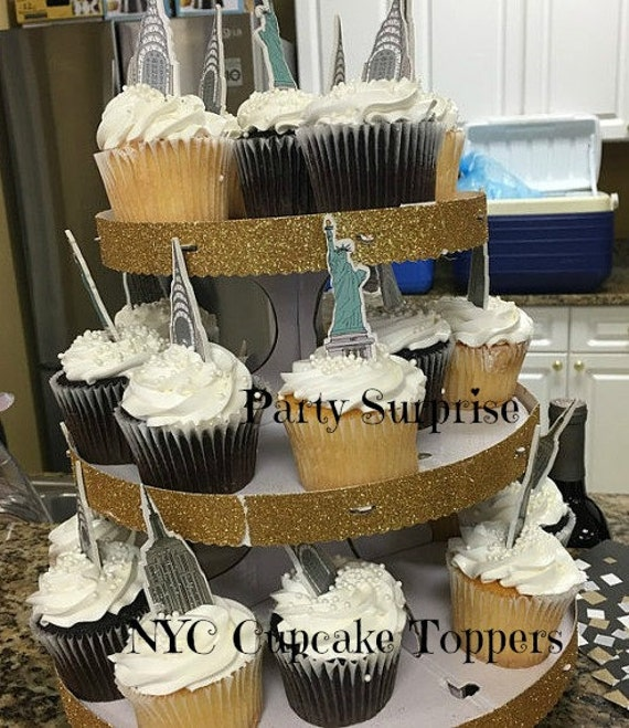 nyc themed wedding cakes 12 big apple cupcake toppers new york city cake 17953