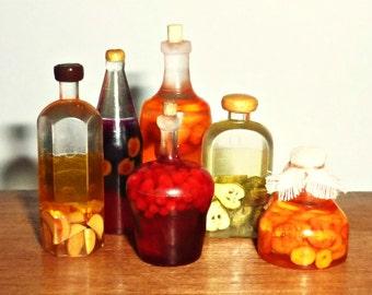 Dollhouse miniature 1:12 Bottles with juice, rustic style,apple juice,cherry juice, peach juice,Prune Juice ,apricot juice