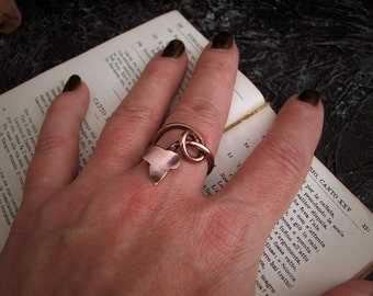 Leaf ring, copper ring, ivy ring, autumn ring, fall ring.