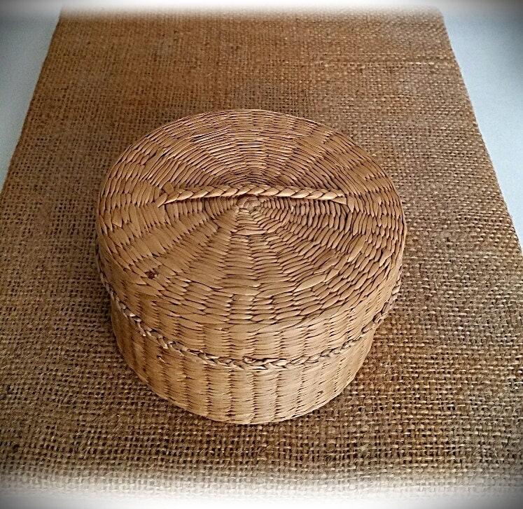 small vintage woven basket with lid. Black Bedroom Furniture Sets. Home Design Ideas