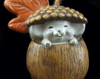 Vtg 1985 Harvest Mouse Pin Hallmark Acorn Fall Autumn Halloween