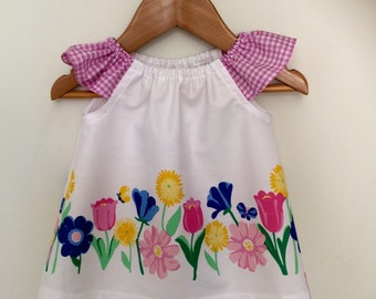 Pretty spring flowers swing  top. Girls top size 2.
