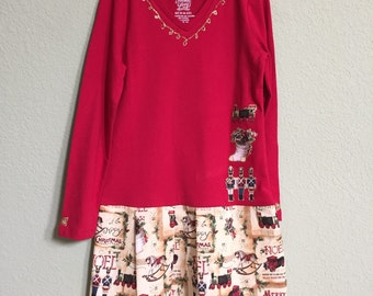 Tshirt dress Girls' Size 6 - holly, vintage toys, and sparkle!
