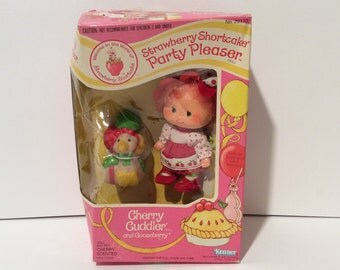 Vintage NIB Strawberry Shortcake Cherry Cuddler and Gooseberry Party Pleaser in Original Box