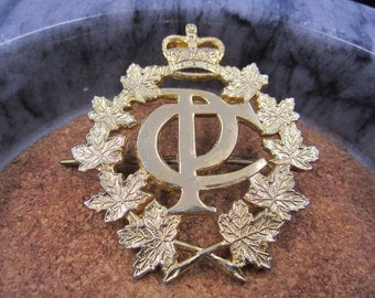 Vintage William Scully Gold Tone Badge