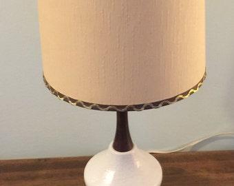 Off white mid century ceramic wood lamp