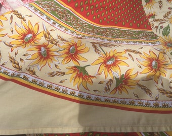 Beautiful vintage French provincial tablecloth with matching napkins