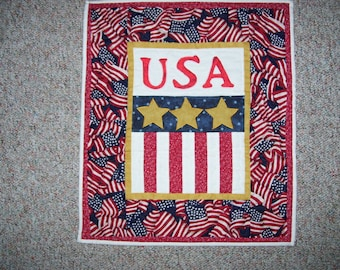 USA quilt-patriotic quilt-fourth of July quilt-United States of America quilt-flag quilt-machine quilted and appliqued