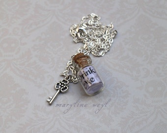 Necklace vial drink me gray