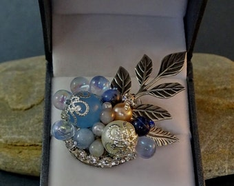 Brooch//Bouquet//Pearl//Blue//Winter//Silver//Free Shipping