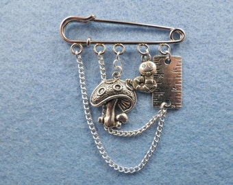 Alice in Wonderland Caterpillar kilt pin brooch (50 mm).