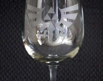 Zelda Eagle Triforce Wine Glass - Zelda Wine Glass - Triforce Wine Glass - Legend of Wine Glass