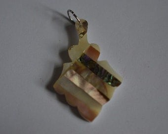 Vintage Mother of Pearl and Abalone Shell Intarsia Pendant (1060359)