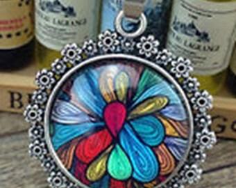 Kaleidoscope Type pendant with chain.