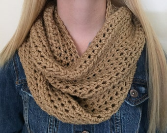 Infinity Scarf, Thick Crochet Bulky Winter Scarf, Loop Scarf, Circle Scarf, Natural Beige Neckwarmer, Womens Scarf, Fall Accessories