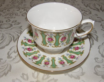 Fine English Bone China Tea Cup and Saucer Set- Queen Anne B 178 Floral and Green Pattern