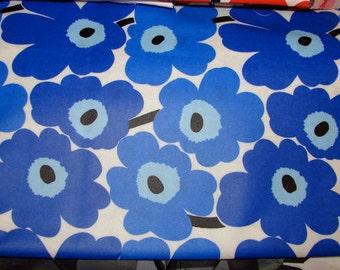 Marimekko BLUE Mini Unikko OIL CLOTH  classic, one yard, 92cm x 145cm Finland