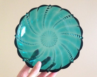 Anchor Hocking - Fairfield Pattern- Green-Blue Dish