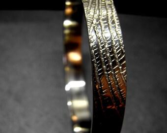 Y9 - Bracelet texturé, effet feuille d'arbre, organique