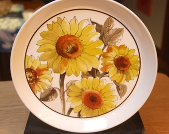 "NZ Crown Lynn Ironstone Ceramic ""Sunflower""   D682 Dinner Plate"