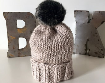 Oatmeal Wooly Hat w. Faux Fur POM POM