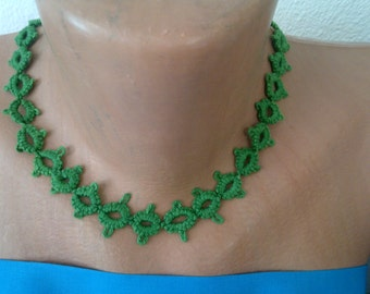 Green tatting neckless - simple and beautiful