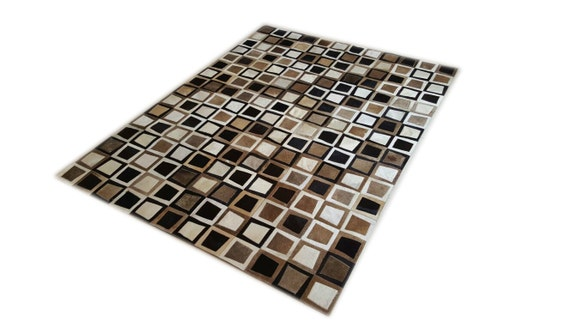 Cowhide patchwork rug black white gold multiform amazing - Tapis cuir patchwork ...