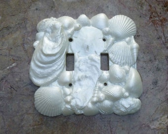 Shell Switchplate in Shimmering White Double