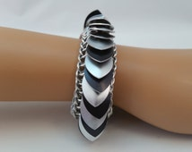 Scale Maille Chainmaille Bracelet in Black and Silver, Chain Maille Scale Bracelet, Chain Mail Scale Bracelet, Scalemaille Bracelet