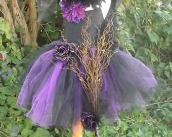 Witch broom, handmade broom, Hocus pocus prop, witch prop, witch accessories